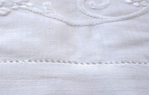 Asciugamano ricamato